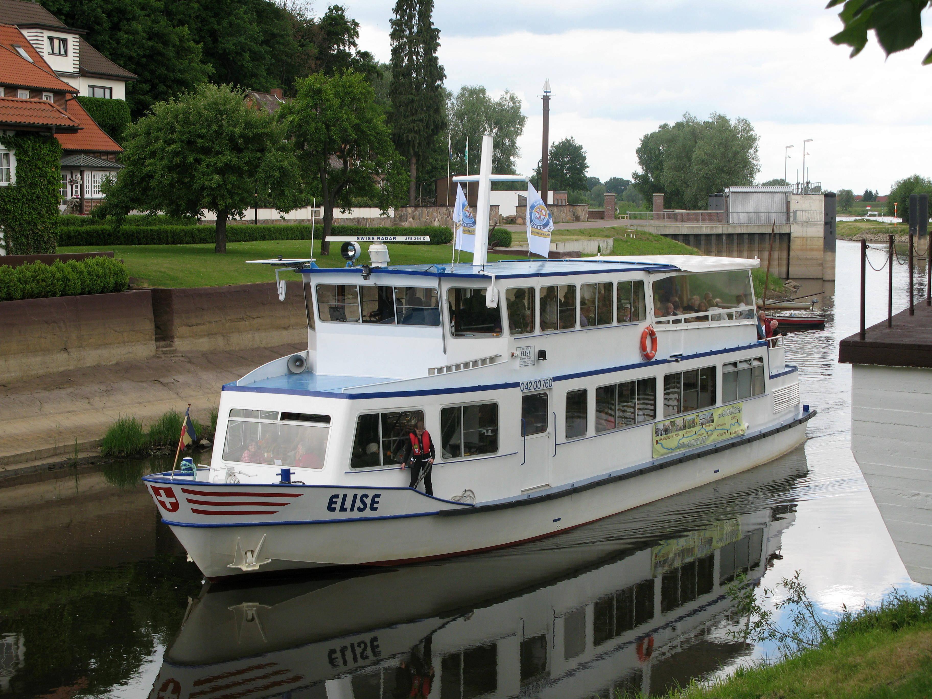 Elbrundfahrten mit der MS Elise & MS Hecht - Reederei Andreas Heckert